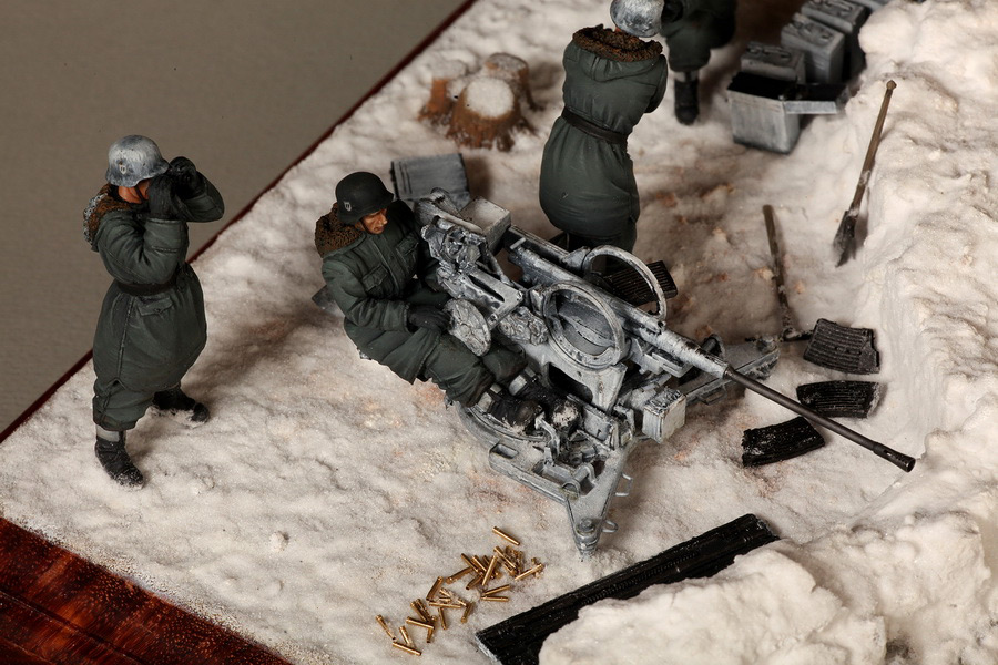 Dioramas and Vignettes: Waffen-SS FlaK-38 crew, photo #28