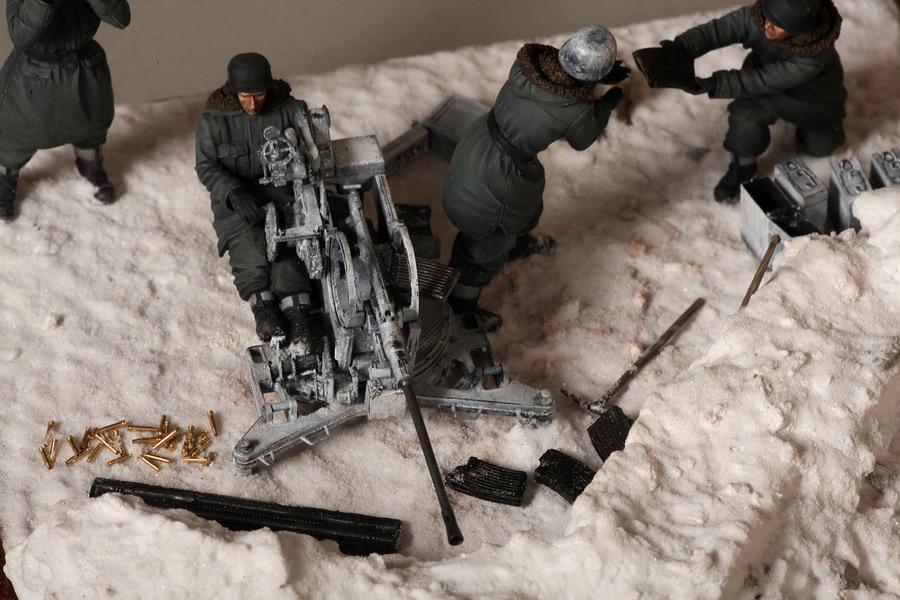 Dioramas and Vignettes: Waffen-SS FlaK-38 crew, photo #30