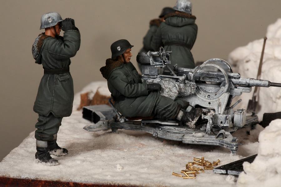 Dioramas and Vignettes: Waffen-SS FlaK-38 crew, photo #31
