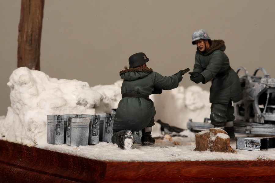 Dioramas and Vignettes: Waffen-SS FlaK-38 crew, photo #33