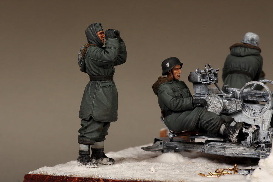 Dioramas and Vignettes: Waffen-SS FlaK-38 crew, photo #34