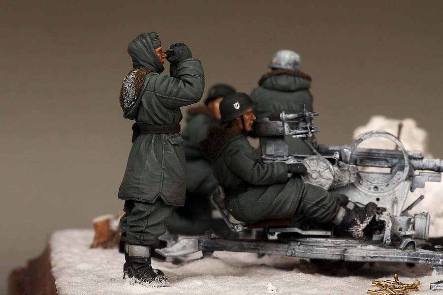 Dioramas and Vignettes: Waffen-SS FlaK-38 crew, photo #36