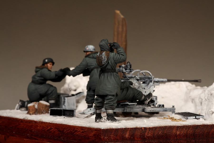 Dioramas and Vignettes: Waffen-SS FlaK-38 crew, photo #38