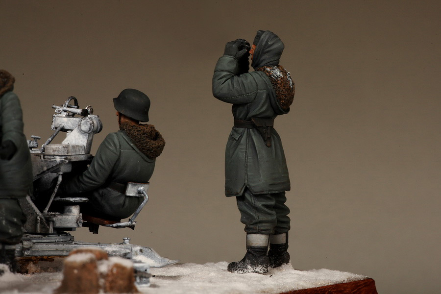 Dioramas and Vignettes: Waffen-SS FlaK-38 crew, photo #40