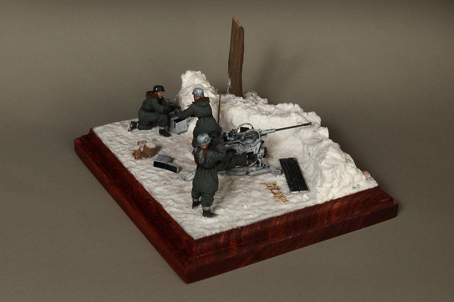 Dioramas and Vignettes: Waffen-SS FlaK-38 crew, photo #7