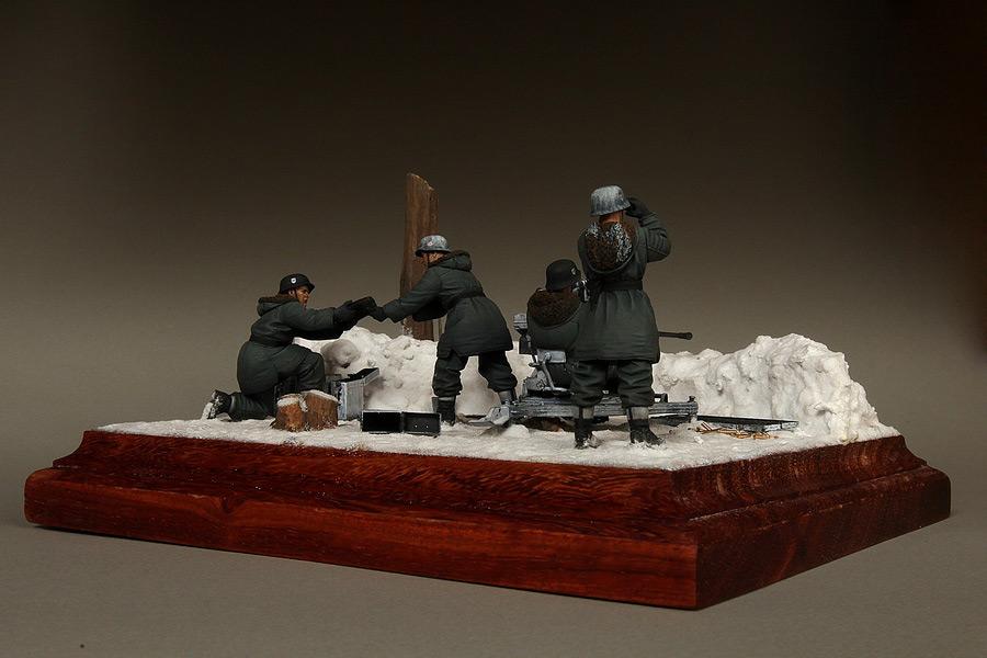 Dioramas and Vignettes: Waffen-SS FlaK-38 crew, photo #8