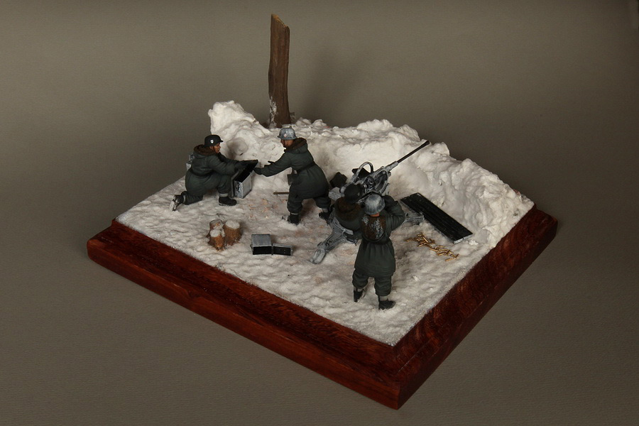 Dioramas and Vignettes: Waffen-SS FlaK-38 crew, photo #9