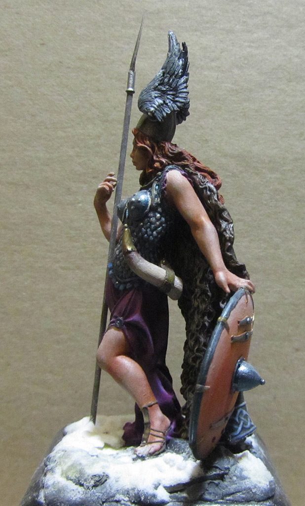 Figures: Brunhilda, photo #4