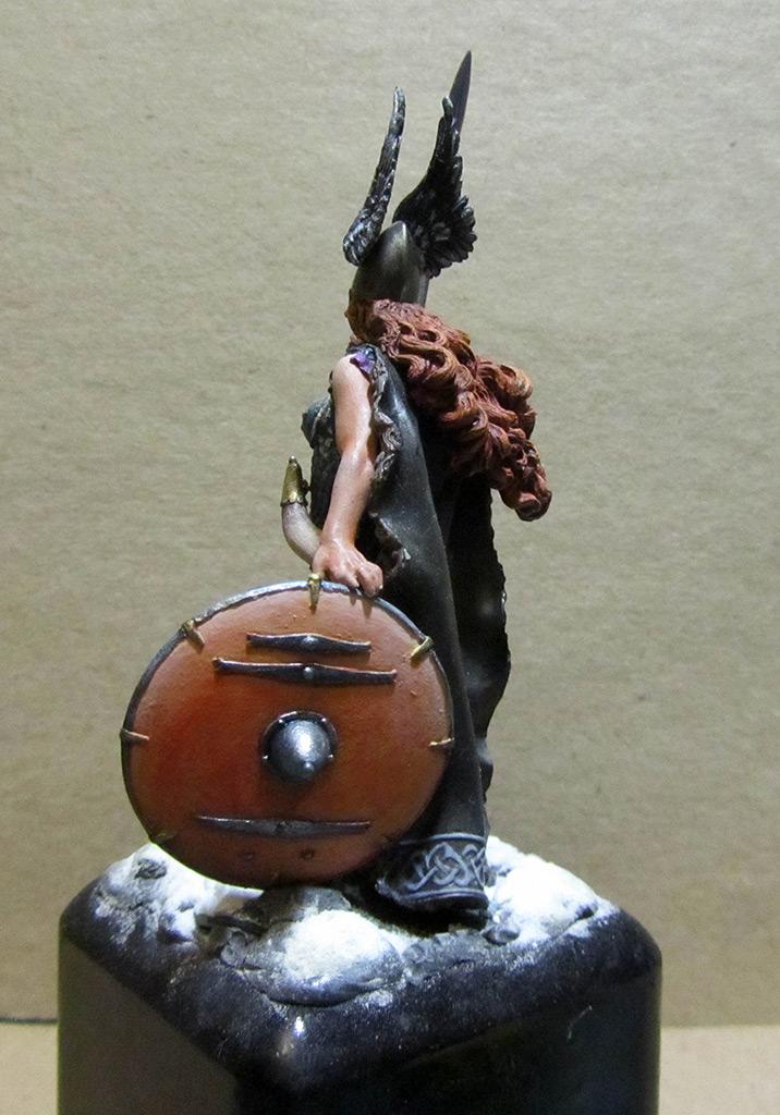 Figures: Brunhilda, photo #5