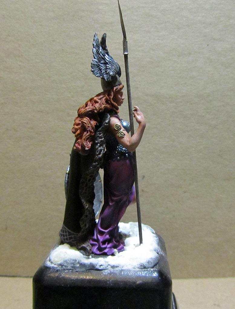 Figures: Brunhilda, photo #8