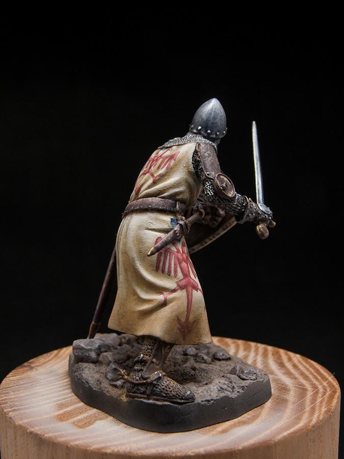 Figures: Italian knight, early XIV cent., photo #6