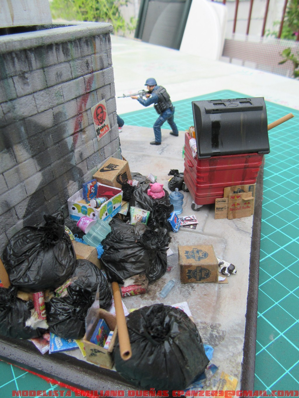 Dioramas and Vignettes: The dirtiest corner of NY, photo #14