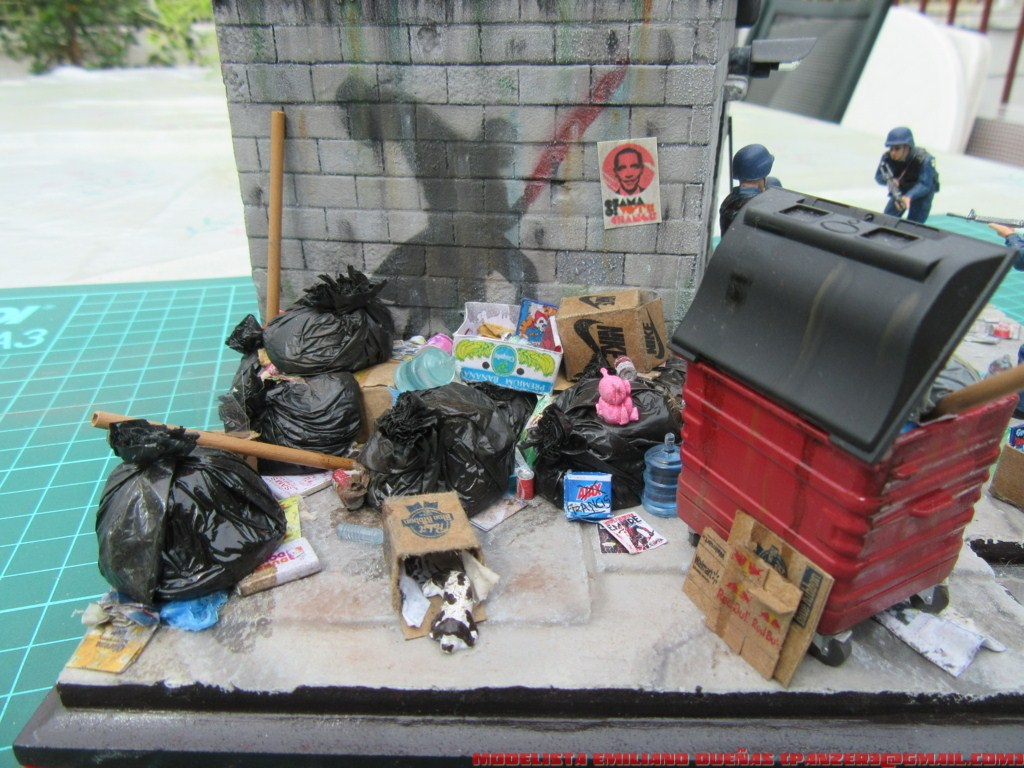 Dioramas and Vignettes: The dirtiest corner of NY, photo #2
