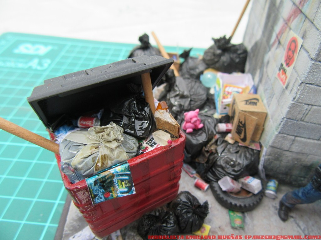 Dioramas and Vignettes: The dirtiest corner of NY, photo #29