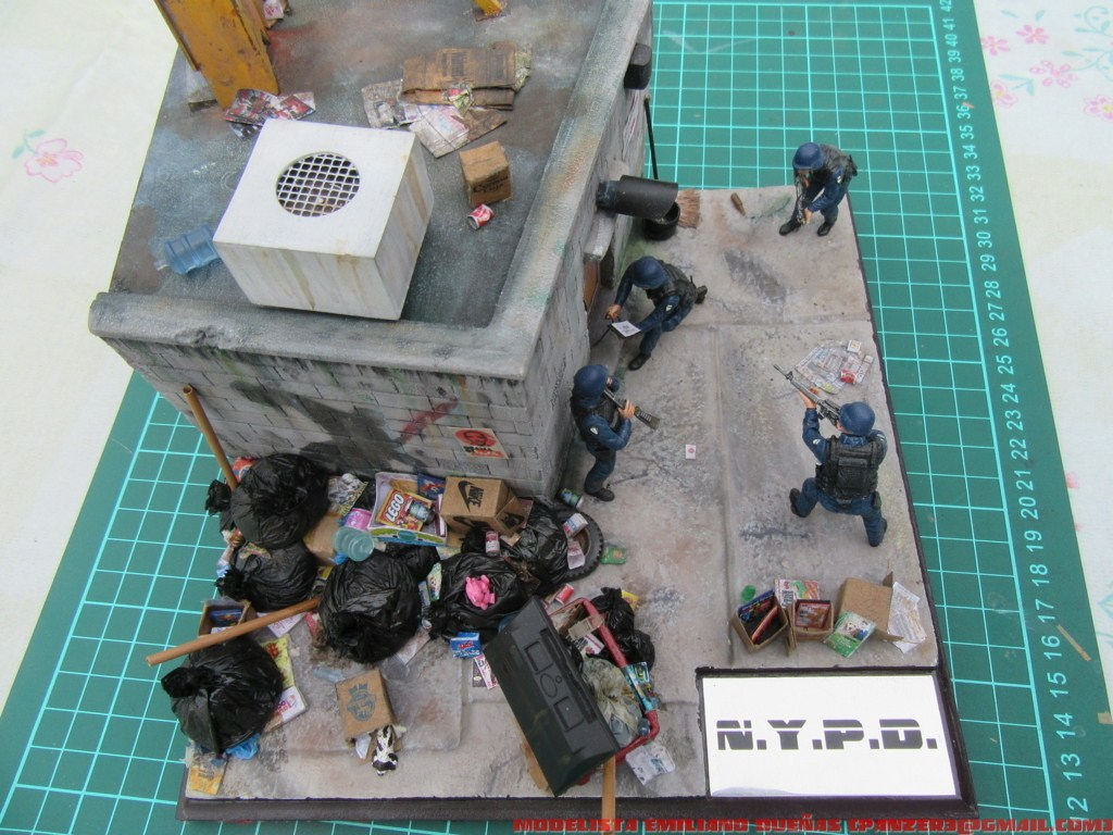Dioramas and Vignettes: The dirtiest corner of NY, photo #31