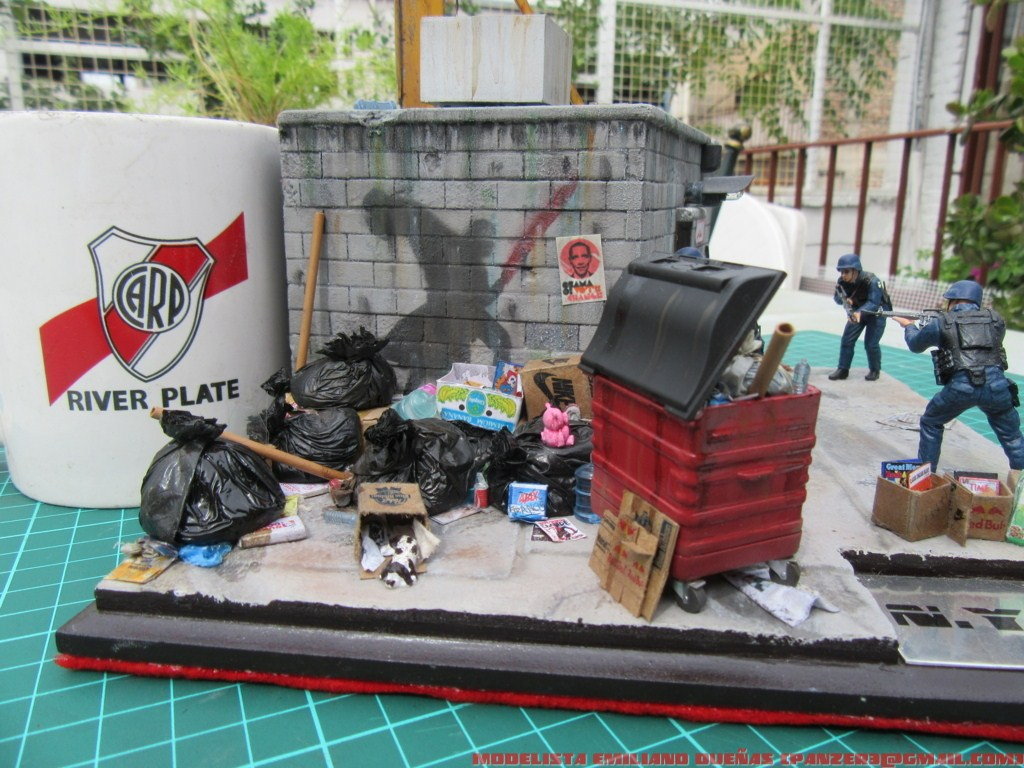 Dioramas and Vignettes: The dirtiest corner of NY, photo #32
