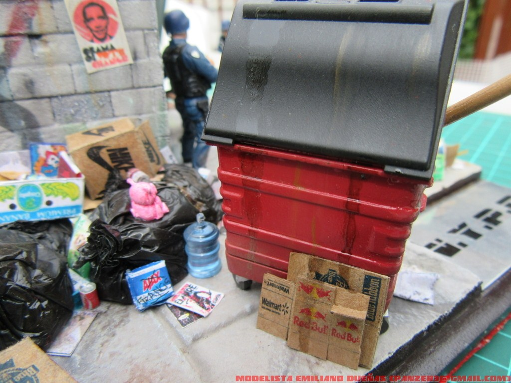 Dioramas and Vignettes: The dirtiest corner of NY, photo #6