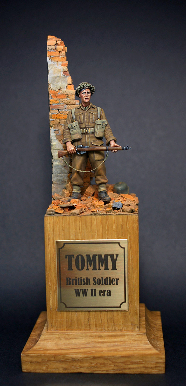 Figures: Tommy, photo #1