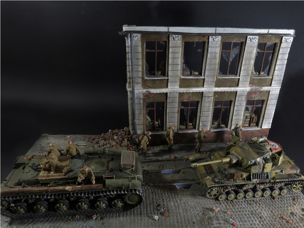 Dioramas and Vignettes: From hands to hands, photo #1