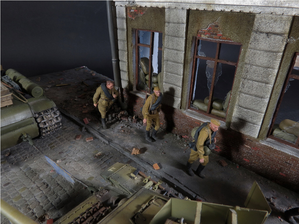 Dioramas and Vignettes: From hands to hands, photo #8