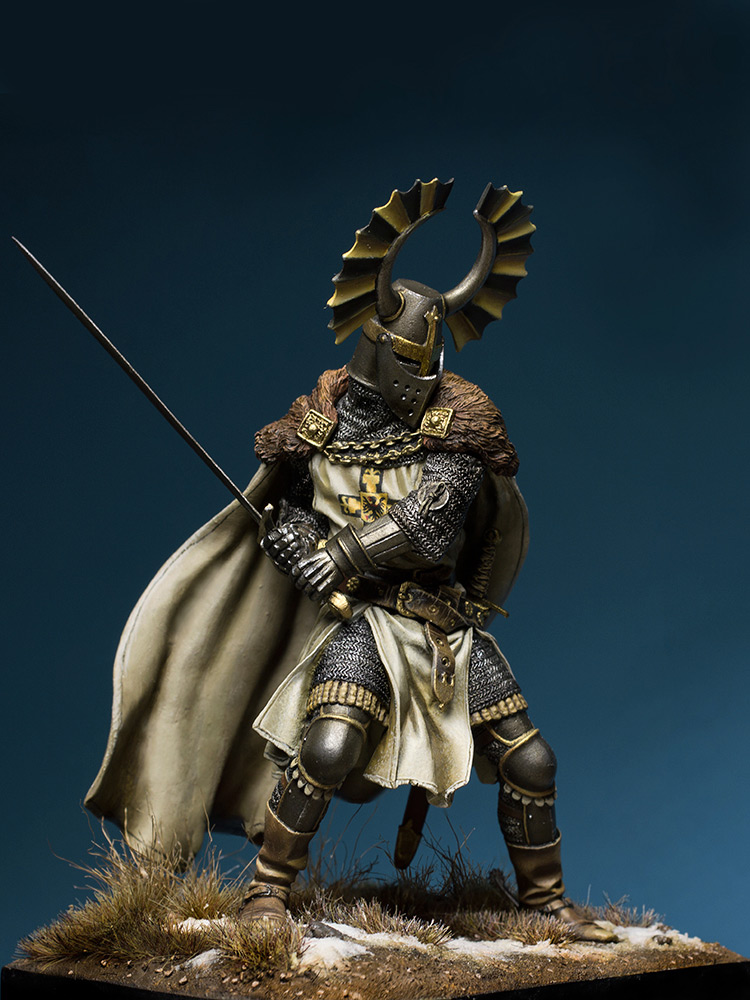 Figures: Teutonic knight, XIV cent., photo #1