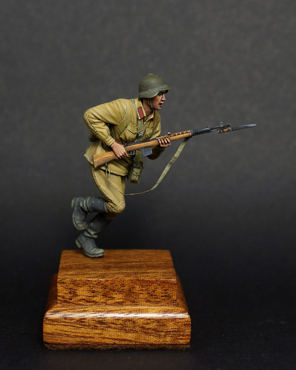 Figures: Red army trooper, 1941, photo #1