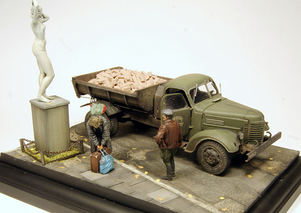 Dioramas and Vignettes: ZiS-MMZ-585. The fellow traveler