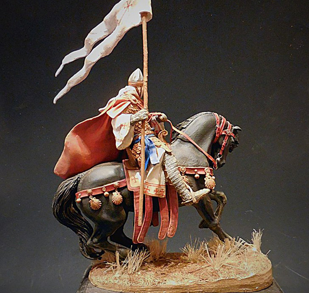 Figures: Mounted crusader