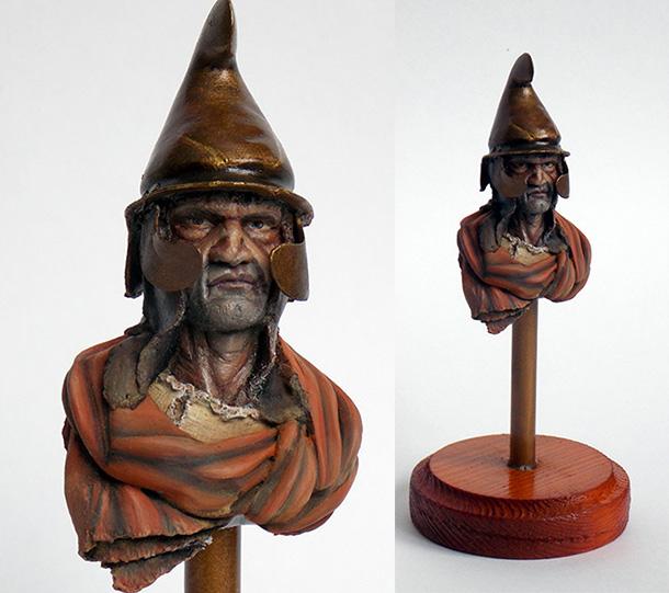 Figures: Thrakian warrior