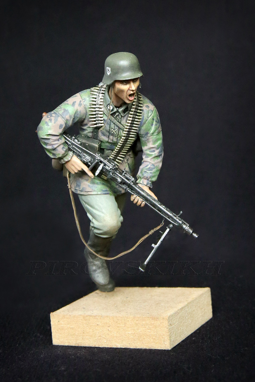 Figures:  MG-42 Gunner, photo #6