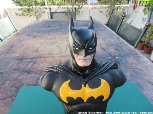 Sculpture: Batman, photo #2
