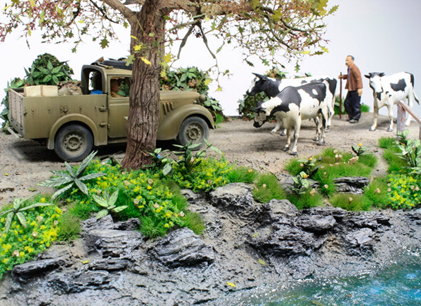 Dioramas and Vignettes: Countryside traffic