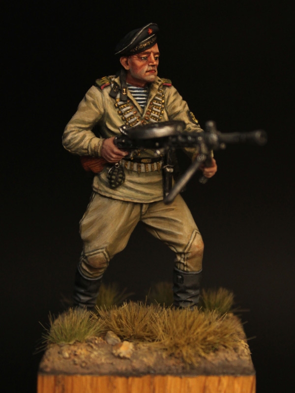 Figures: Machine gunner, Black sea fleet marines, 1943-44, photo #1