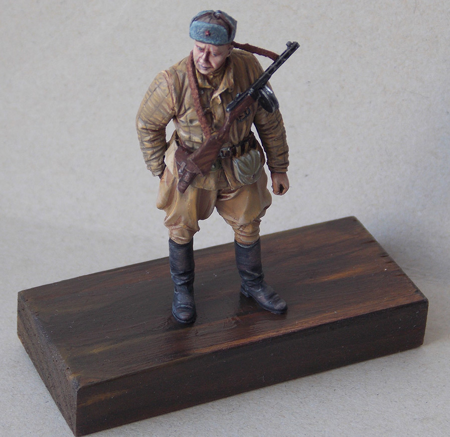 Figures: Red Army soldier at rest, photo #15