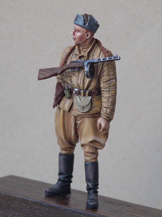 Figures: Red Army soldier at rest, photo #7