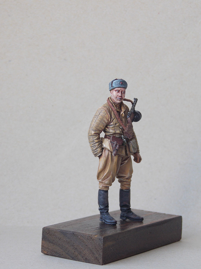 Figures: Red Army soldier at rest, photo #9