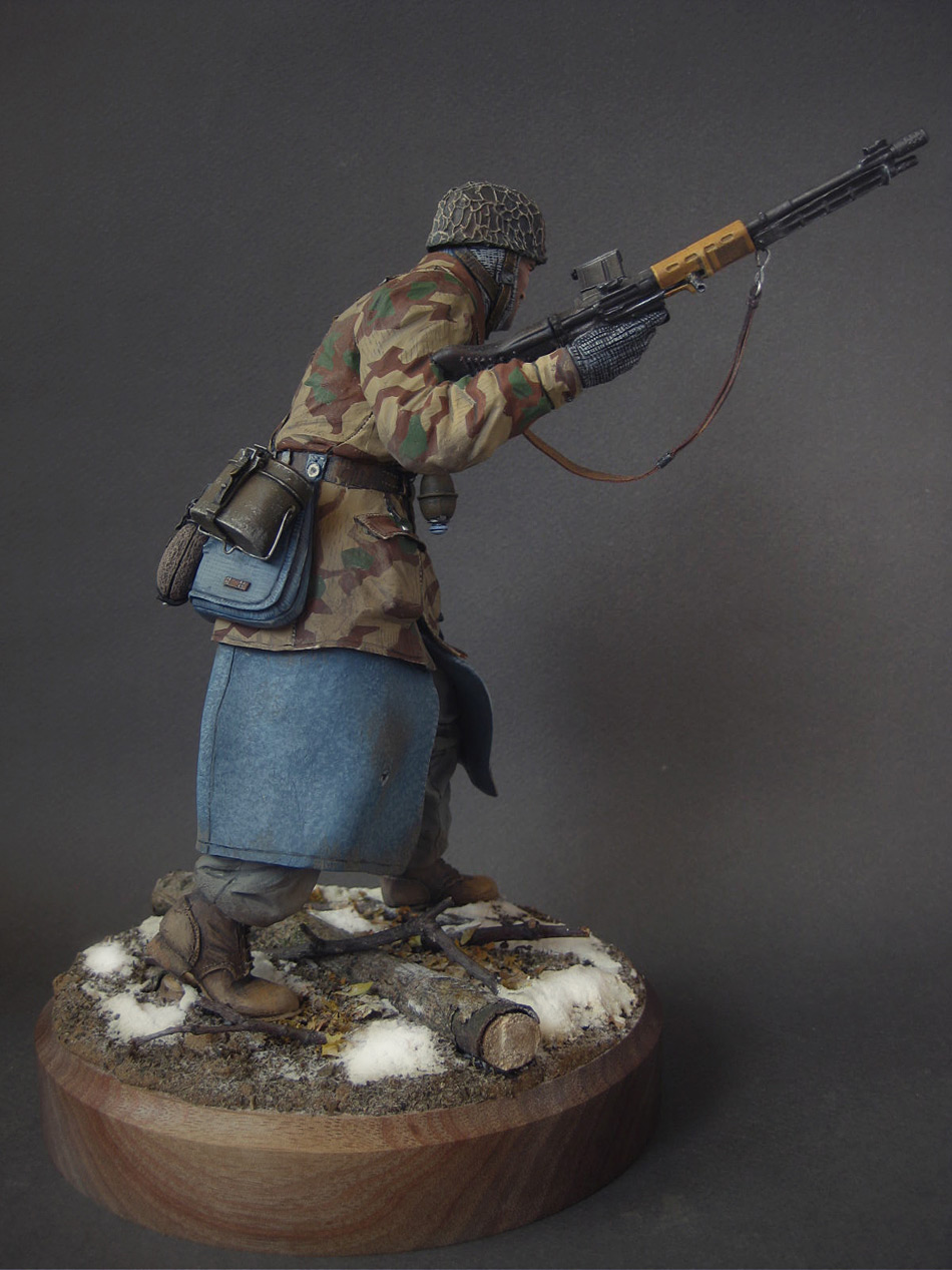 Figures: Ardennes, 1944, photo #7