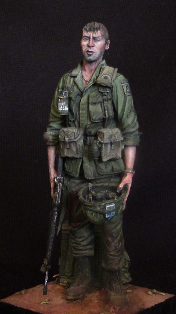 Figures: Trooper of 82nd airborne div., Vietnam, 1970, photo #1