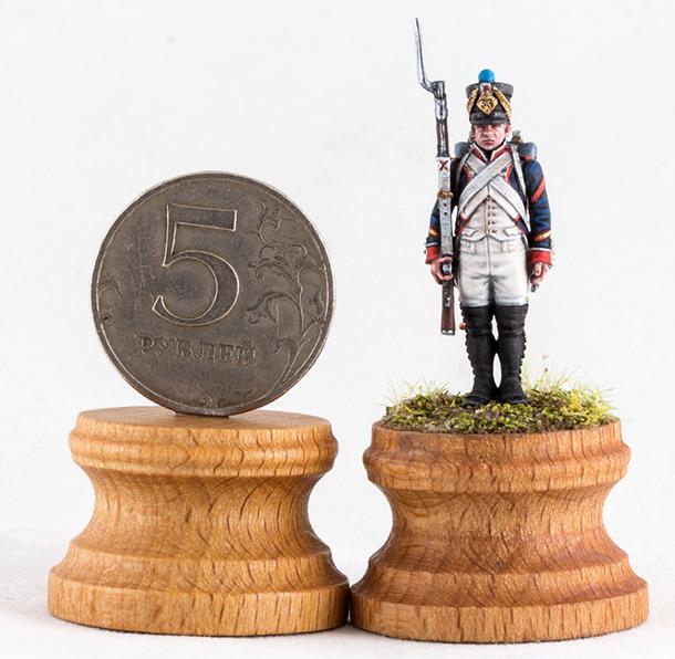 Figures: Little sergeant