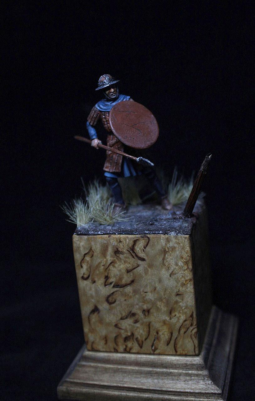 Figures: English warrior, XIV cent., photo #3