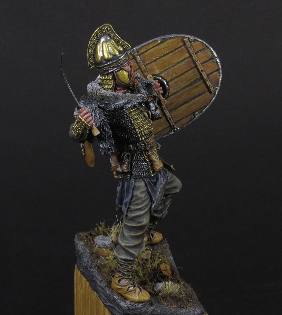 Figures: Dacian warrior, photo #2