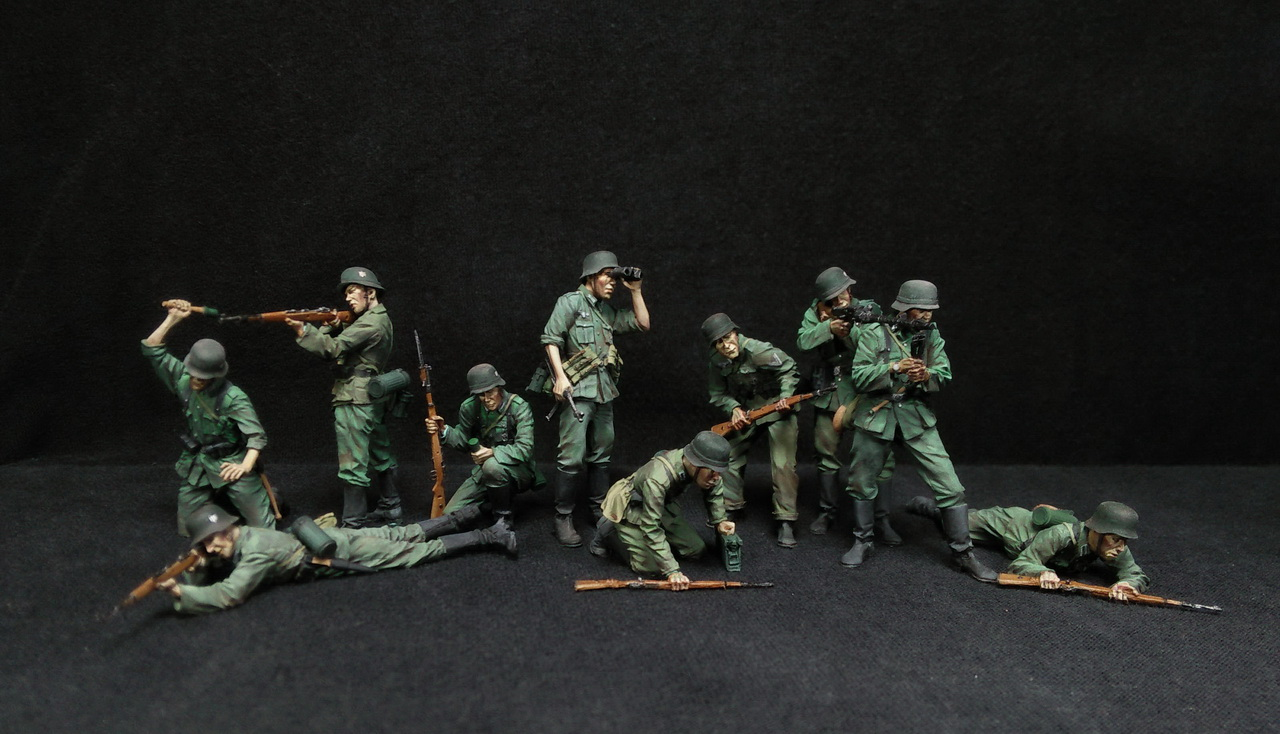 Figures: German Infantry in action, photo #1