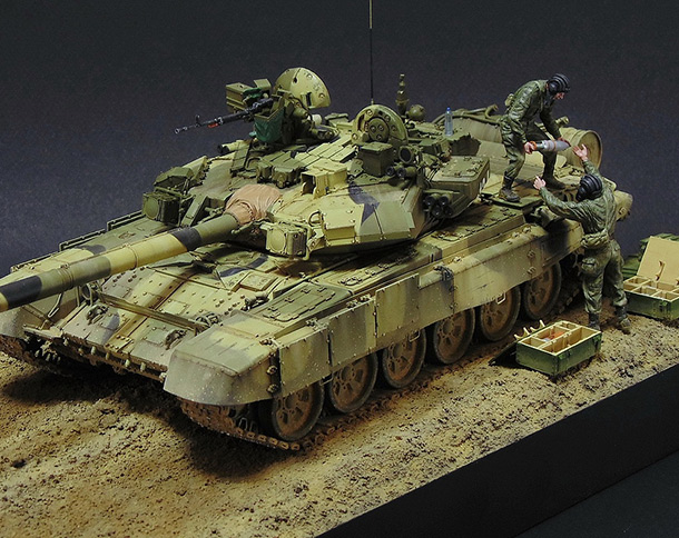 Dioramas and Vignettes: T-90A. Ammo loading