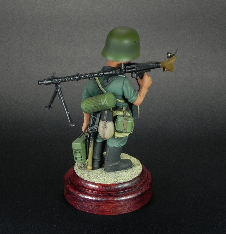 Miscellaneous: Machine gunner Meyer, photo #5