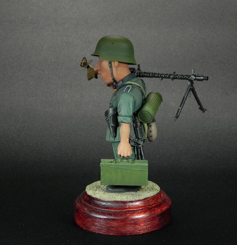 Miscellaneous: Machine gunner Meyer, photo #8