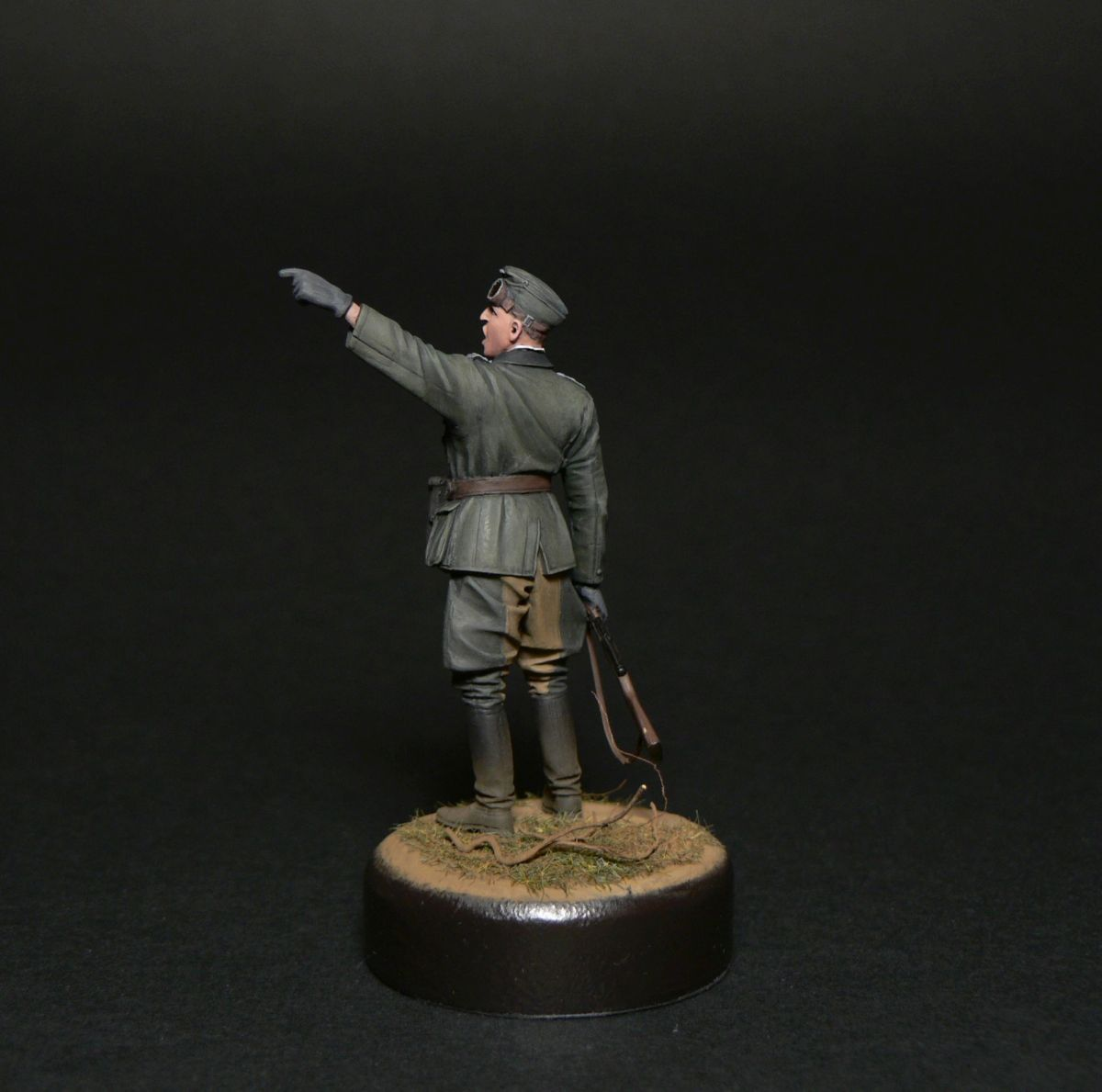 Figures: Oberleutnant, photo #2
