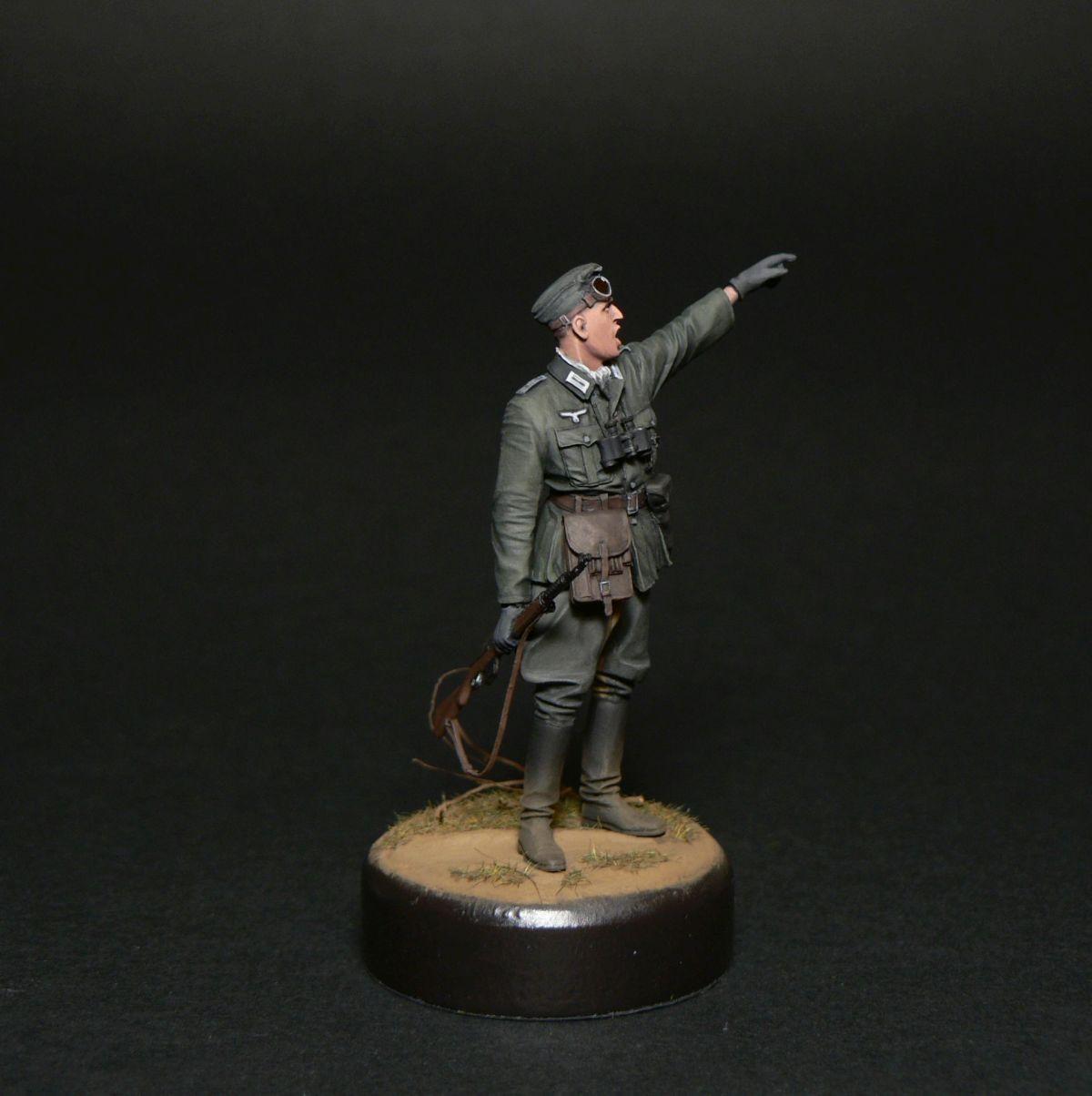Figures: Oberleutnant, photo #3