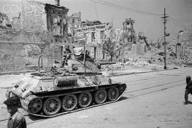 Dioramas and Vignettes: T-34-76. Crimea, 1944, photo #16