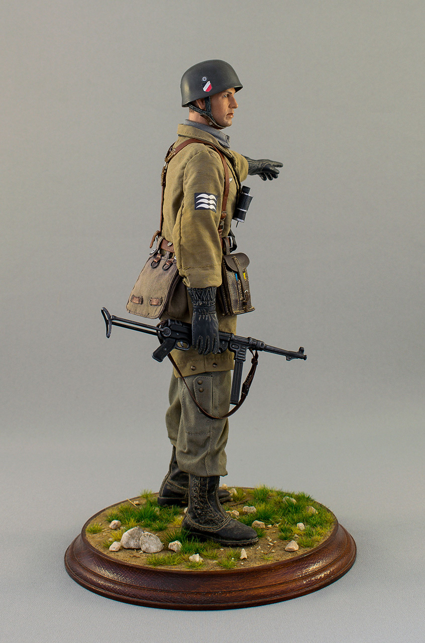Figures: Luftwatte paratrooper. Crete, May 1941, photo #3