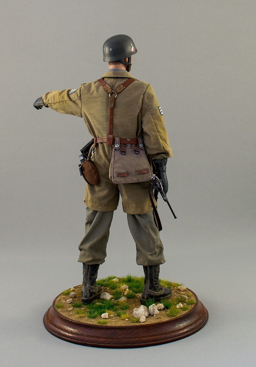 Figures: Luftwatte paratrooper. Crete, May 1941, photo #5
